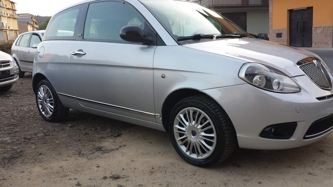 Lancia y 10 diva 1200 benz db auto luxe - Lancia y diva 2010 ...